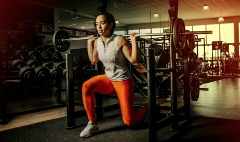chica practicando CrossFit
